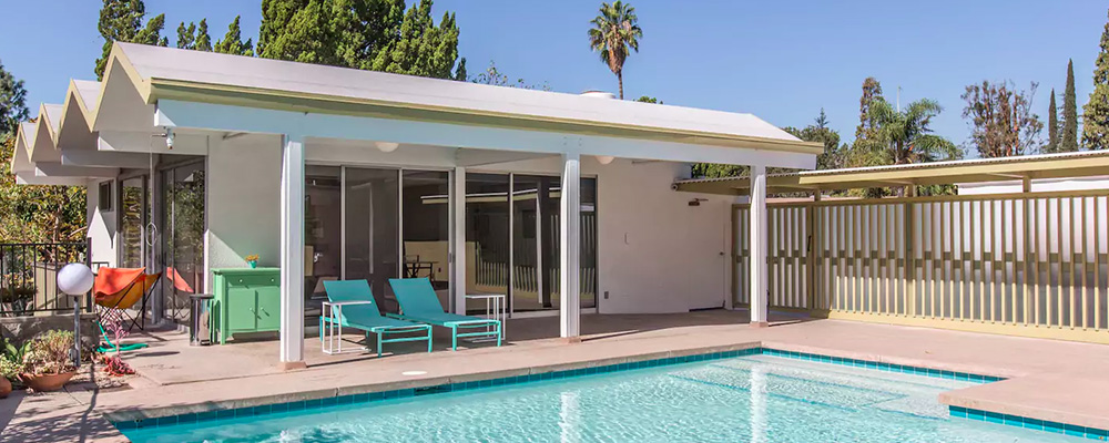 Photo of Relaxing Mid-Century Modern Retreat